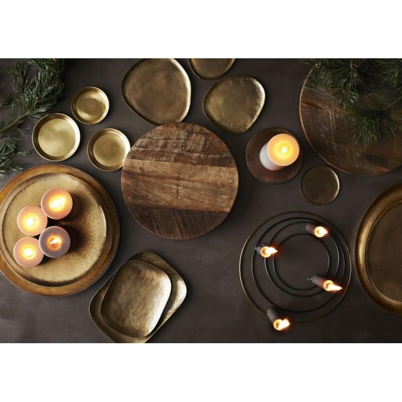 Organic shaped trays